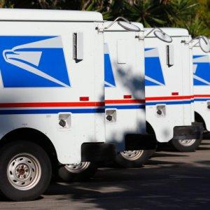 驚きの量!NYの郵便局員が10年に渡り手紙を配達せず自宅に隠す
