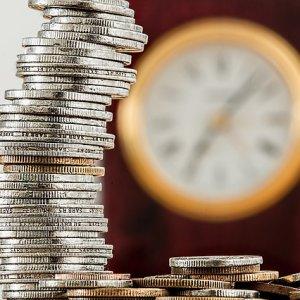 仮想通貨投資とは?FXとどちらが初心者向け?