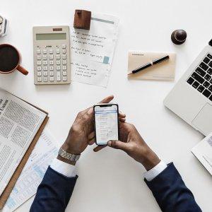 初心者向けFX重要用語集。投資や金融でよく目にする基本ワードを学ぼう